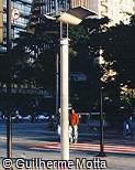 Poste de iluminação em aço