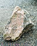 Pedra escultórica marroada