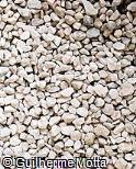 Pedra britada cinza clara nº 1
