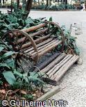 Banco em madeira rústica