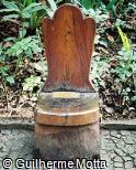 Banco em madeira para uma pessoa