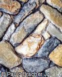 Muro com Pedras Variadas