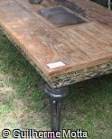 Mesa de centro em madeira e ferro fundido