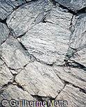 Lajes de pedra rejuntadas